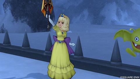 ローラ姫・武器かかげる